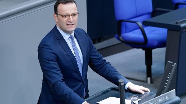 Bundesgesundheitsminister Jens Spahn ist überzeugt: Das Gesetz zur Stärkung der Vor-Ort-Apotheken verdient seinen Namen. (m / Foto: imago images / Political-Moments)