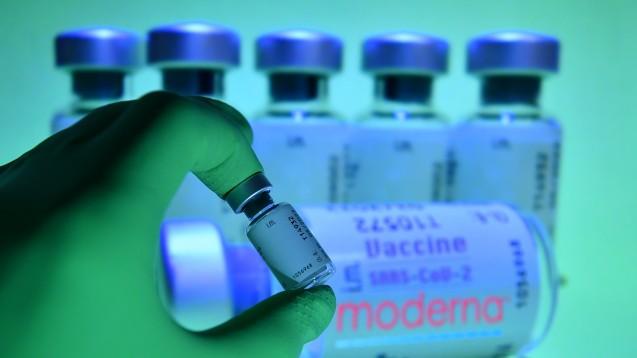 Die USA könnten bald schon mit zwei mRNA-Impfstoffen gegen COVID-19 impfen. Die FDA berät über die Zulassung von Modernas mRNA-1273. (p / Foto: picture alliance / SvenSimon | Frank Hoermann)