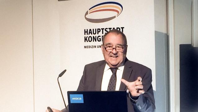 DAV-Chef Becker möchte Hersteller bei Lieferengpässen mehr in die Pflicht nehmen. (Foto: bj / DAZ.online)