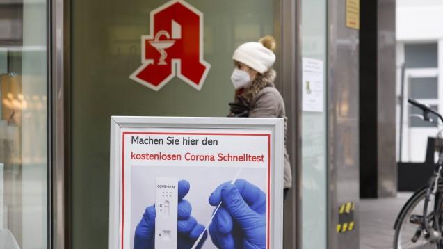 Für NRW gibt es nun ein eigenes Portal zum schnellen Finden von Schnelltest-Apotheken. (Foto: IMAGO / Rupert Oberhäuser)