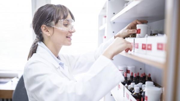 Mehr Rezeptursicherheit durch Laborprogramme