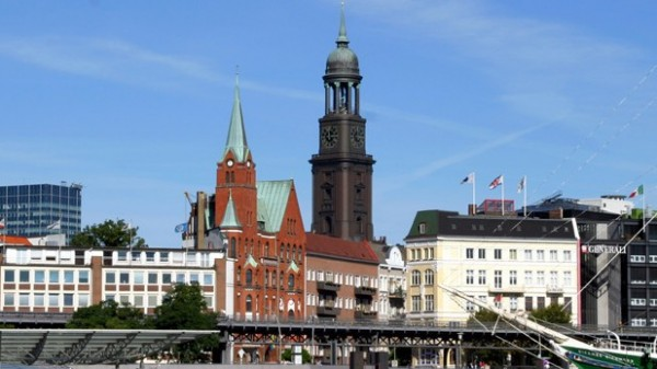 Apothekerverein Hamburg zieht gegen AOK vor Gericht
