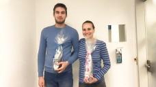Filip Petrovic und Martina Zifcakova freuen sich über die Anerkennung ihrer PTA-Abschlüsse in Deutschland. (Foto: Johannes-Apotheke Gröbenzell)