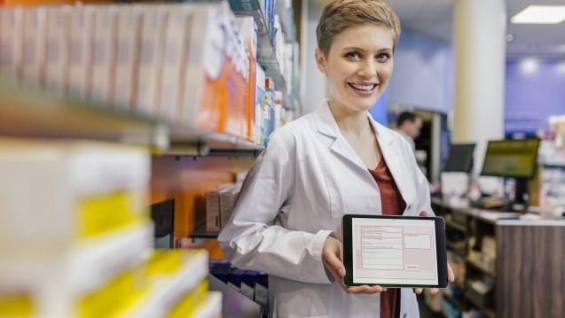Schon im kommenden Jahr wollen die Apotheker in Baden-Württemberg das E-Rezept testen. Das Bundesgesundheitsministerium meint aber, dass die dafür erforderlichen Neuregelungen frühestens im Frühjahr 2020 in Kraft treten könnten. Gibt es Verzögerungen? (j/Foto: imago)