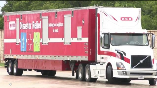 Mit mobilen Apotheken wie dieser der texanischen Apothekenkette H-E-B soll die Arzneimittelversorgung nach Hurricane Harvey wiederhergestellt werden. (Screenshot: DAZ.online)
