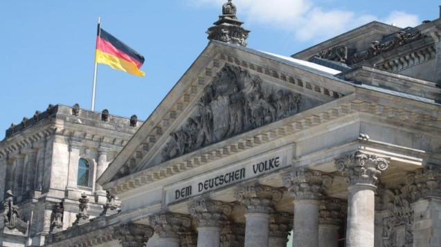 Der Deutsche Bundestag befasst sich einmal wieder mit Änderungen am Arzneimittelgesetz. (Foto: Sket)