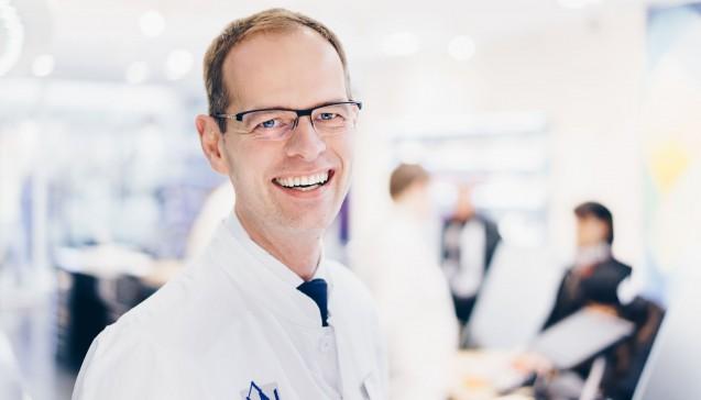 """Apotheker, Lebensmittelchemiker, Buchautor und seit 2016 Chef der """"Apotheke am Neumarkt"""": Dr. Axel Vogelreuter"""