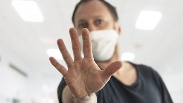 Müssen Sie Kunden bei der Maskenabgabe zurückweisen?