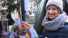 Auf dem Alt-Rixdorfer Weihnachtsmarkt in Berlin-Neukölln sammelte Apotheker ohne Grenzen am vergangenen Wochenende Spenden für einen guten Zweck. Die Berliner Apothekerin Charlotte Lübow kann sich vorstellen, in Zukunft auch hauptberuflich pharmazeutische Nothilfe zu leisten. ( / Foto: DAZ.online/bj)