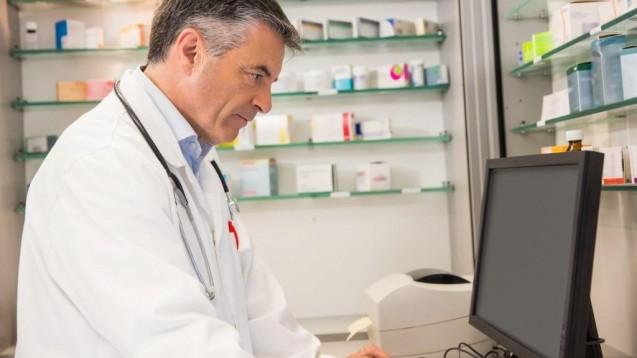 Um Medikationsanalyse durchzuführen, ist man auf Hilfsmittel angewiesen, die eine schnelle und effiziente Auswertung ermöglichen. Dazu zählen Datenbanken. ( r / Foto: WavebreakMediaMicro/stock.adobe.com)