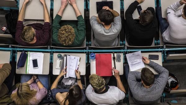 181 Pharmaziestudierende studieren ohne Abitur