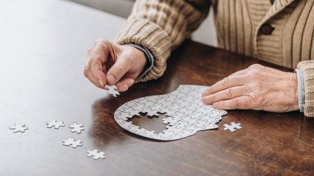 Alzheimer Demenz wurde 1906 zum ersten Mal beschrieben – und hat bis heute noch nichts von ihrer Bedrohlichkeit verloren. (Foto: LIGHTFIELD STUDIOS / stock.adobe.com)