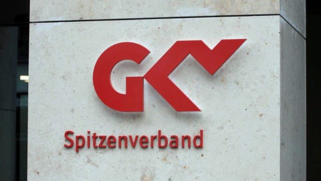 DocMorris und EAV sollen bleiben: Der GKV-Spitzenverband will ausländische Versandapotheken nicht aus dem Rahmenvertrag schmeißen, nur weil sie Rx-Boni anbieten. (Foto: Sket)