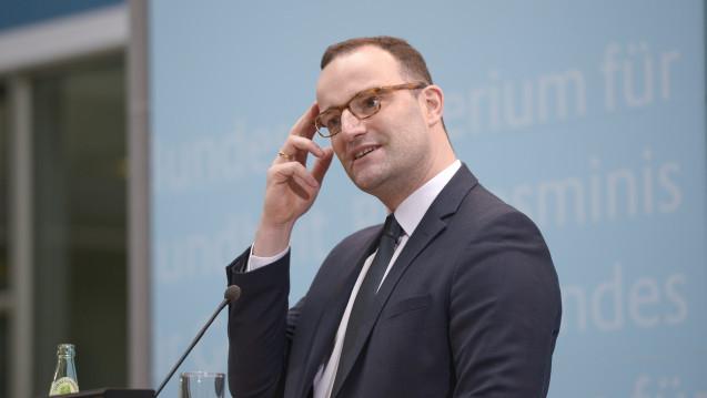 Bundesgesundheitsminister Jens Spahn (CDU) plant ein großes Maßnahmenprogramm für die ambulante Pflege und kündigt die Erhöhung des Pflegebeitrages an. (Foto: Külker)