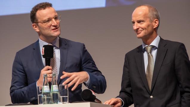 Bundesgesundheitsminister Jens Spahn und ABDA-Präsident Friedemann Schmidt wollen auch aufgrund der Coronakrise schnell die Abhängigkeit von China in der Arzneimittelversorgung beenden. (Foto: Schelbert)