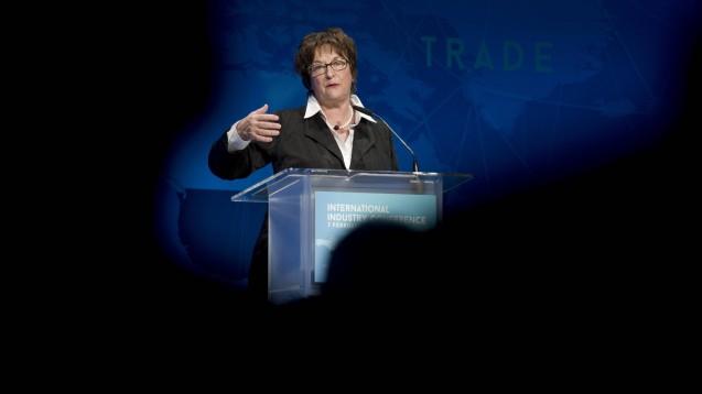Ex-Bundeswirtschaftsministerin Brigitte Zypries hat auch nach ihrem Ausscheiden aus dem BMWi mit dem Ministerium über den Rx-Versandhandel gesprochen. Zypries beteuert aber, dass sie nicht im Auftrag von DocMorris handelte. (Foto: imago images / IPON)