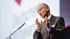 Friedemann Schmidt ist sauer: Die ABDA spricht sich vehement gegen den von der SPD vorgelegten Lösungsvorschlag zum Versandhandel und zum Apothekenhonorar aus. Die Grünen klatschen Beifall. (Foto: Schelbert)