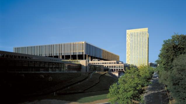 Der Europäische Gerichtshof soll entscheiden: Sind Rx-Boni für DocMorris & Co. zulässig? (Bild: G. Fessy/EuGH )