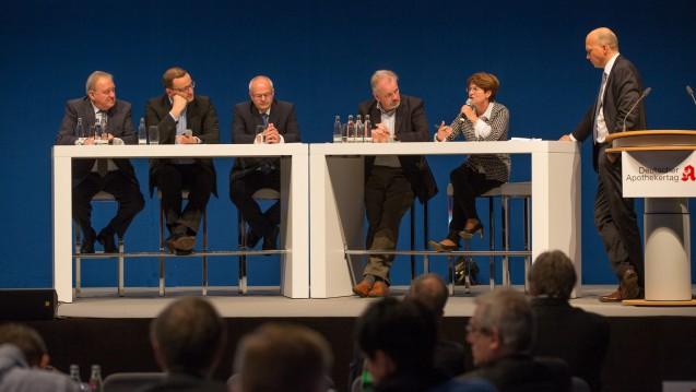 Erneut ohne SPD und Grüne? Wie auch schon im Jahr 2015 (hier im Foto) könnte auch der diesjährige Apothekertag ohne Beteiligung der SPD und der Grünen stattfinden. (Foto: Schelbert)