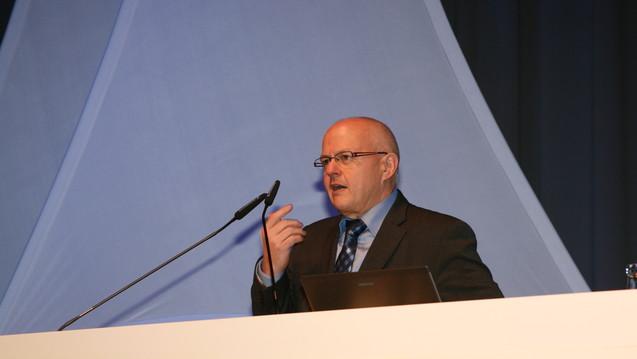 BAK-Präsident Kiefer bei der Eröffnung des Pharmacon 2016 (Foto:jb/daz)