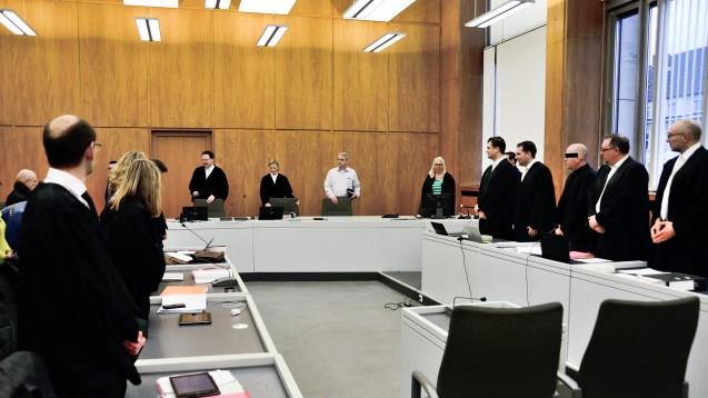 Die Verteidigung will den Prozess gegen den Bottroper Zyto-Apotheker komplett neu aufrollen, weil Journalisten Teile der Ermittlungsakte im Internet veröfentlicht hatten. (Foto: hfd)