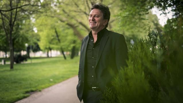 Baden-Württembergs Gesundheitsminister Manne Lucha ist zufrieden damit, dass der DocMorris-Automat nochmals gerichtlich verboten wurde. (Foto: imago images / Objektif)