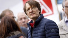 Gemeinsam mit Nina Scheer (s. Foto im Artikel) will SPD-Gesundheitsexperte Karl Lauterbach SPD-Chef werden. (Foto: imago images / future images)