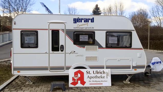 Die Wohnwagen-Corona-Teststation. (Foto: St. Ulrich-Apotheke)