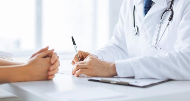Wenn Ärzte Arzneimittel verordnen, sollten sie die Ergebnisse der frühen Nutzenbewertung beachten. (Foto: Syda Productions/Fotolia)