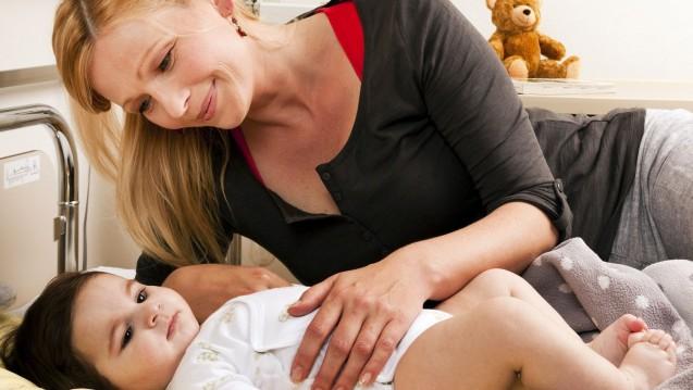 Rotaviren: Etwa die Hälfte aller Säuglinge, die unter einer Enteritis durch Rotaviren leiden, muss im Krankenhaus behandelt werden. (Foto: dpa)