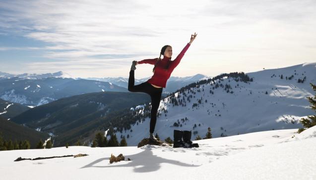 Y wie Yoga: Stress ist ein Faktor, der sich negativ auf das Immunsystem auswirken kann. Entspannungstechniken wie Yoga oder autogenes Training können daher ein Baustein im Mosaik der Erkältungsprävention sein. (Foto:iofoto / stock.adobe.com)