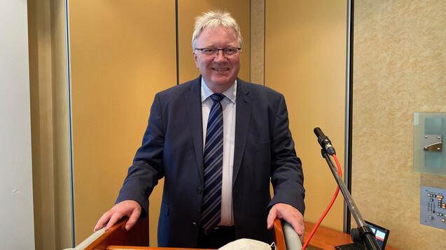 Der Vorsitzende des Landesapothekerverbands Sachsen-Anhalt, Mathias Arnold, freut sich über die Zustimmung der Mitgliederversammlung zur Beteiligung des LAV an der Digitalgesellschaft GEDISA. (Foto: Pohl / LAV Sachsen-Anhalt)