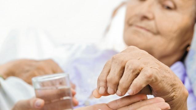 Eine schwierige Frage: Unter welchen Bedingungen können Demenzkranke in klinische Studien einbezogen werden? (Foto: Sandor Kacso / Fotolia)