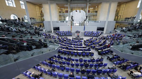 Bundestag verlängert epidemische Lage erneut