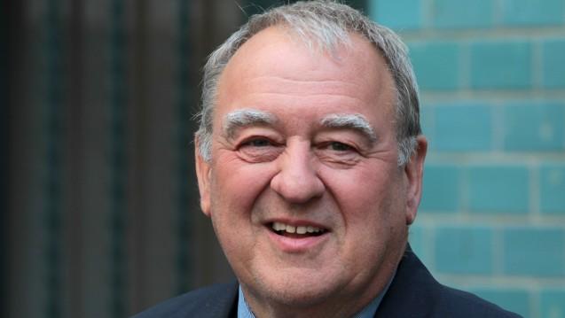 Rückblick: DAV-Chef Fritz Becker berichtet im Interview, welche Probleme er und der DAV nach der Einführung der Rabattverträge für die Apotheker beseitigen konnten. (Foto: Sket)