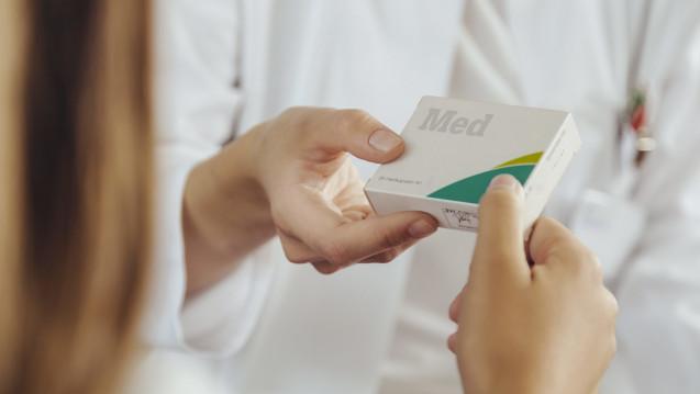Keine Prävention in der Apotheke! Aus Sicht der Freien Ärzteschaft sollten die Apotheker keine Präventionsleistungen anbieten, andernfalls würden die Mediziner die Selbstdispensation einfordern. (Foto: dpa)