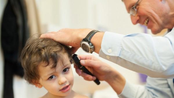Ärzte und Apotheker helfen gemeinsam