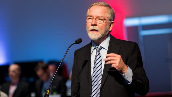 Die Kammer Nordrhein von Präsident Lutz Engelen will den Haushaltsentwurf der ABDA ablehnen, einen Sitz im G-BA, einen Sicherstellungsauftrag und vergütete pharmazeutische Dienstleistungen erreichen. (Foto: Schelbert)