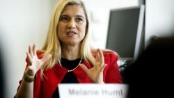 Steht weiterhin hinter den Apothekern: Bayerns Gesundheitsministerin Melanie Huml (CSU) will ein Rx-Versandverbot ohne faule Kompromisse (Foto: dpa)