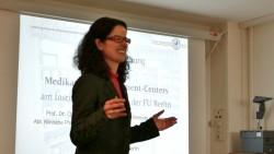 Institutsleiterin Prof. Dr. Charlotte Kloft hat die Trainingsapotheke am Donnerstag eingeweiht. (Foto: Diz/DAZ.online)