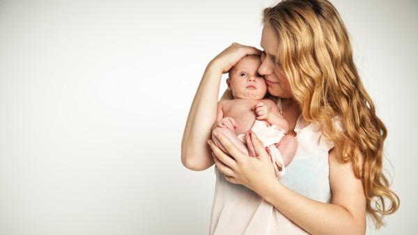 Auch Schülerinnen und Studentinnen genießen künftig Mutterschutz