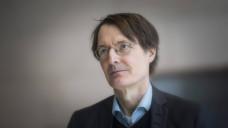 SPD-Experte Karl Lauterbach erwartet, dass die Kassenbeiträge nach dem GKV-Versichertenentlastungsgesetz stabil bleiben. (Foto: Imago)