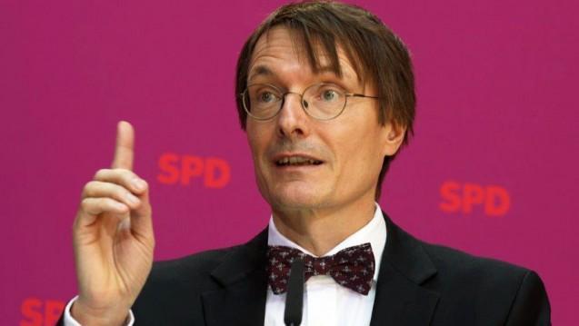 """Karl Lauterbach: Bekannt, sich """"fast religiös"""" an Vereinbarungen aus Koalitionsverträgen zu halten? (Foto: Sket)"""