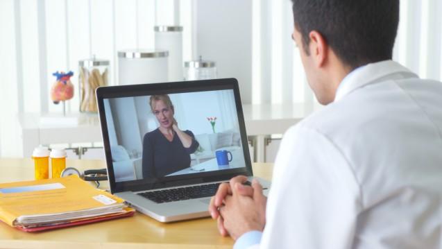Rezepte ins EU-Ausland: Die Online-Arztpraxis DrEd kündigt an, die AMG-Novelle zu umgehen und die Online-Rezepte künftig an EU-Versandapotheken zu schicken. (Foto: fotolia / rocketclips)