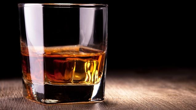 """Das gleichnamige alkoholische Getränk hatte im US-amerikanischen Club """"Whisky a Go Go"""" der 1960er-Jahre eher eine untergeordnete Bedeutung.(Foto:Alexandr Steblovskiy / stock.adobe.com)"""