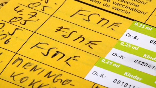 Drei Impfungen braucht es für einen längerfristigen FSME-Impfschutz. ( r / Foto: Klaus Eppele                                          / stock.adoeb.com)