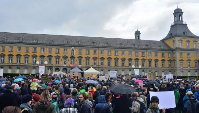 In Bonn sprachen unter anderem die Nordrhein-Westfälische WissenschaftsministerinSvenja Schulze und die Rektoren der Universitäten Bonn, Köln, Aachen und Paderborn. (Foto: DAZ.online)