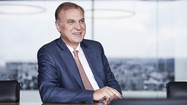 Klaus Michels, Vorsitzender des Apothekerverbandes Westfalen-Lippe, und sein Vorstand verlangen von der ABDA, dass man den Pharmaziestudenten Benedikt Bühler bei seinem Vorhaben unterstützt. (m / Foto: AVWL)