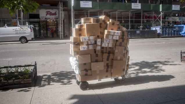 Arzneimittel jetzt auch per Amazon: Der US-Versandriese Amazon hat die Versandapotheke PillPack übernommen. (Foto: Imago)