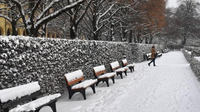 Temperaturen unter 15 °C können das Ergebnis eines COVID-19-Antigentests verfälschen. Deshalb sind Schnelltests draußen im Winter ungeeignet. (Foto: imago images / Sven Simon)